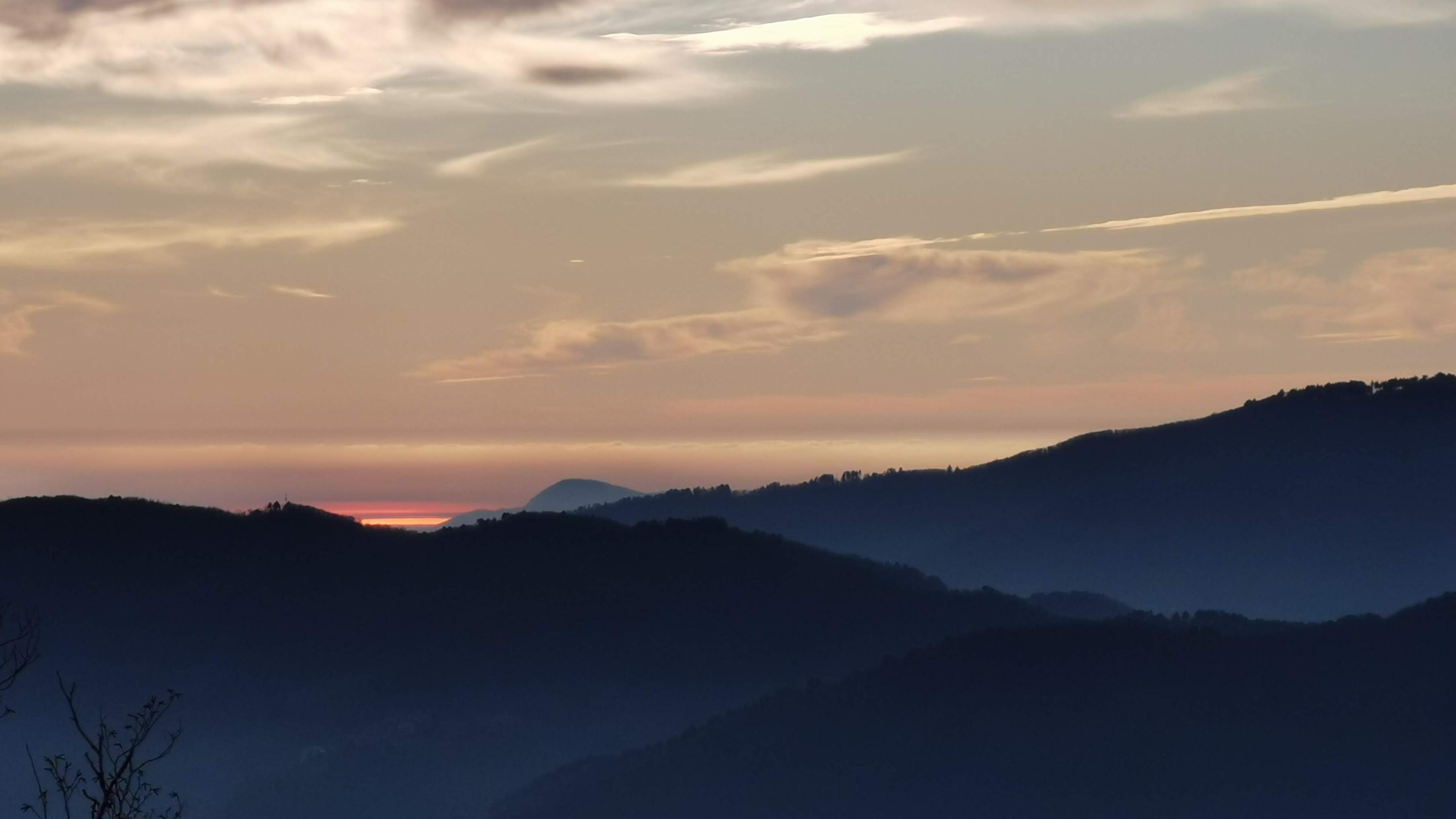 Appennino tramonto sul Mare Tirreno