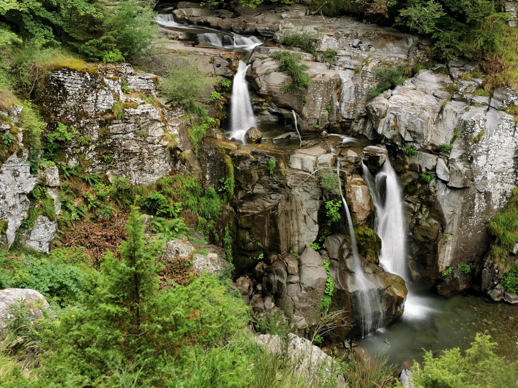 Sentiero delle cascate a Sant'Annapelago