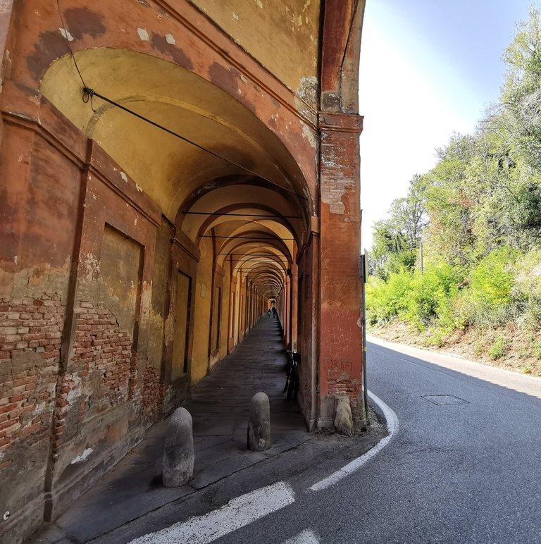 5 Valli, Portici di San Luca