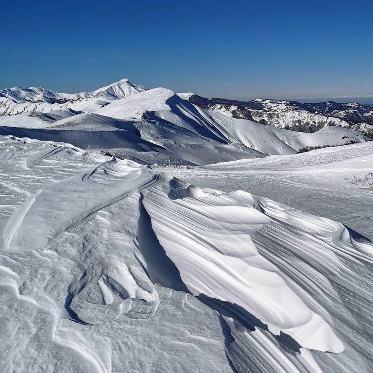 Panorama invernale alto appennino modenese e bolognese